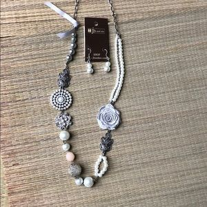 New Silver tone Pearl and Charm Chain Necklace Set